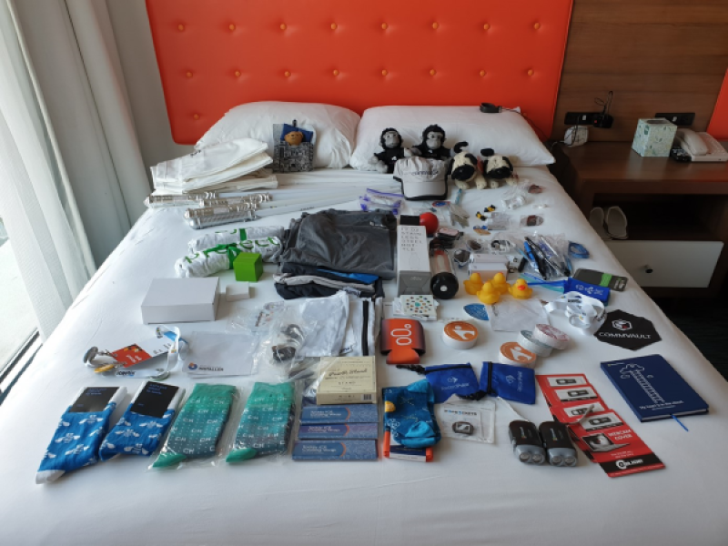 Microsoft-Ignite-2018-Swag-Collection.jpg